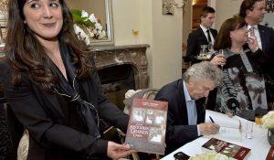 Albert Nahmias dédicace son livre : Petites Histoires de Grands Chefs