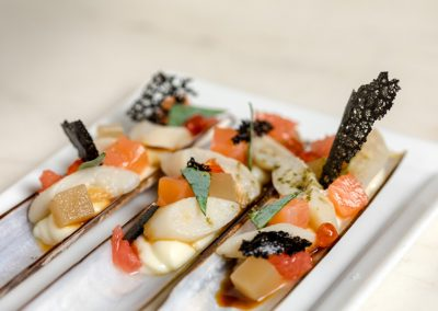 Couteau de mer XXL, Mousseline Dubarry, Coeur de saumon fumé impérial, Suprême de pamplemousse de Floride, Oyster leave
