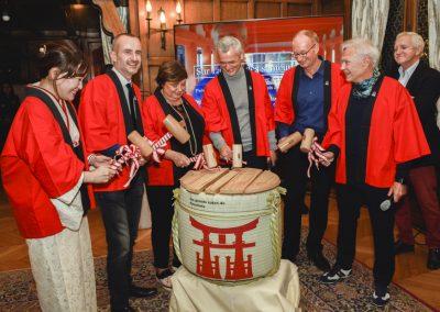 Kagami Biraki, la célébration d'ouverture du tonneau de saké