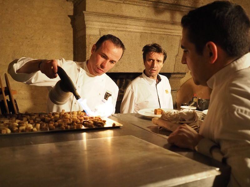 Préparation du diner de gala avec Christophe Hay, François Pasteau, Romain Pouzadoux et Martin Devecka.