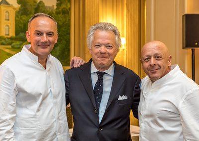 Gilles Pudlowski entouré de Christian Le Squer et de Thierry Marx