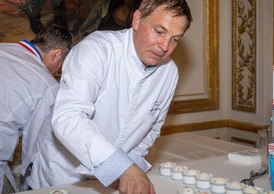 Olivier Ménard, Une glace à Paris