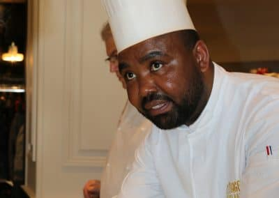 Francis Nyebe (La Taverne - L'Etage)