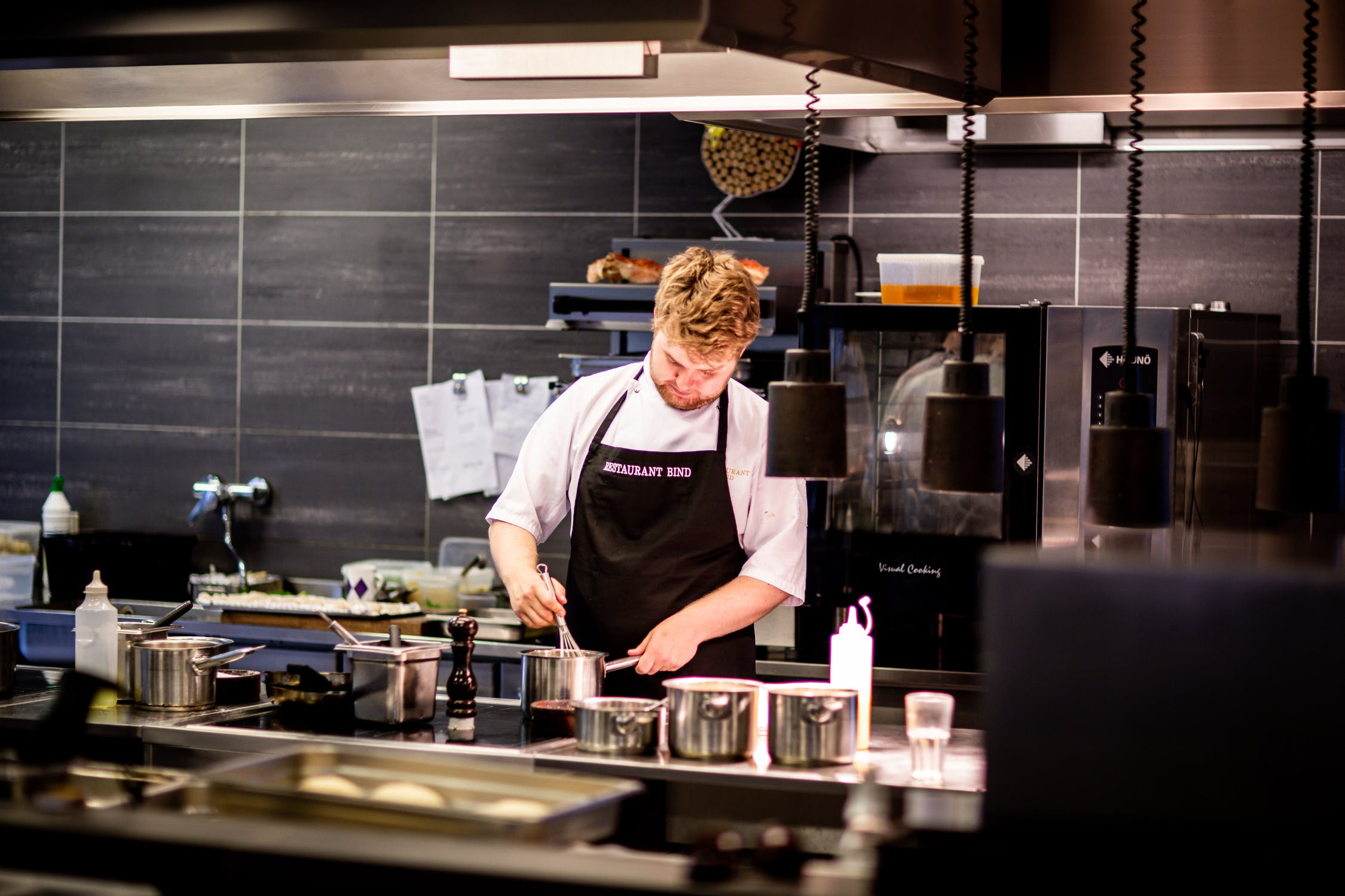 cours de cuisine avec un chef étoilé, à domicile ou dans vos bureaux